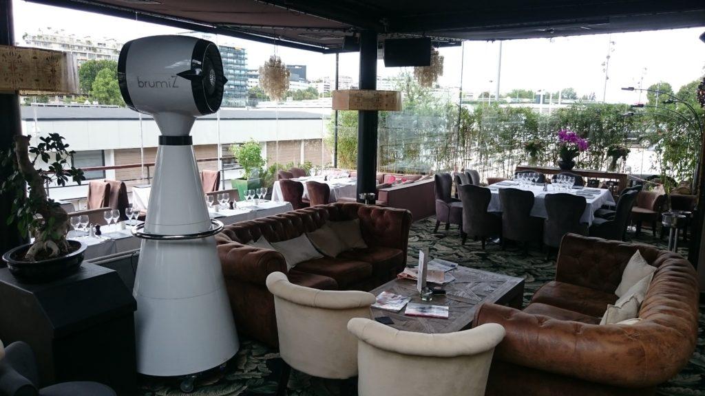 brumisateur de terrasse terrasse restaurant bar with. Black Bedroom Furniture Sets. Home Design Ideas
