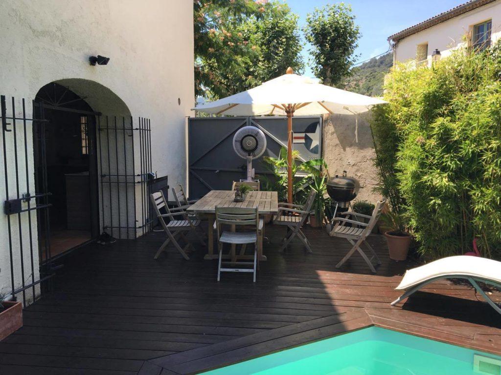 brumisateur terrasse affordable brumisateur terrasse de restaurant martinique brumisation. Black Bedroom Furniture Sets. Home Design Ideas